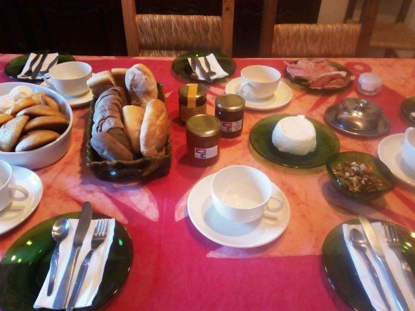 Pequeno Almoço Serrano